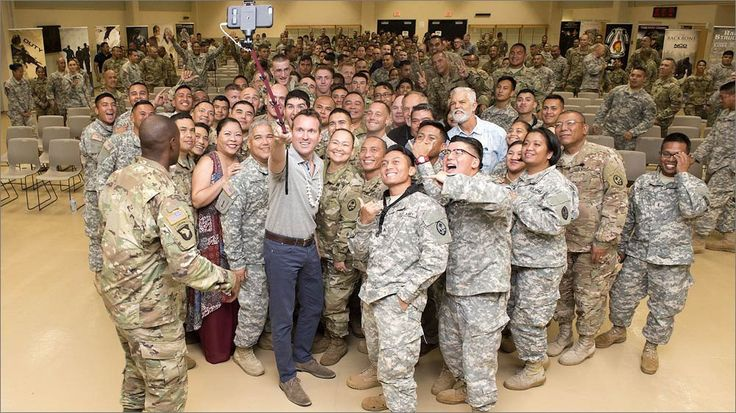 Eric Fanning · Selfie with Soldiers   Andersen Air Force Base · 2016