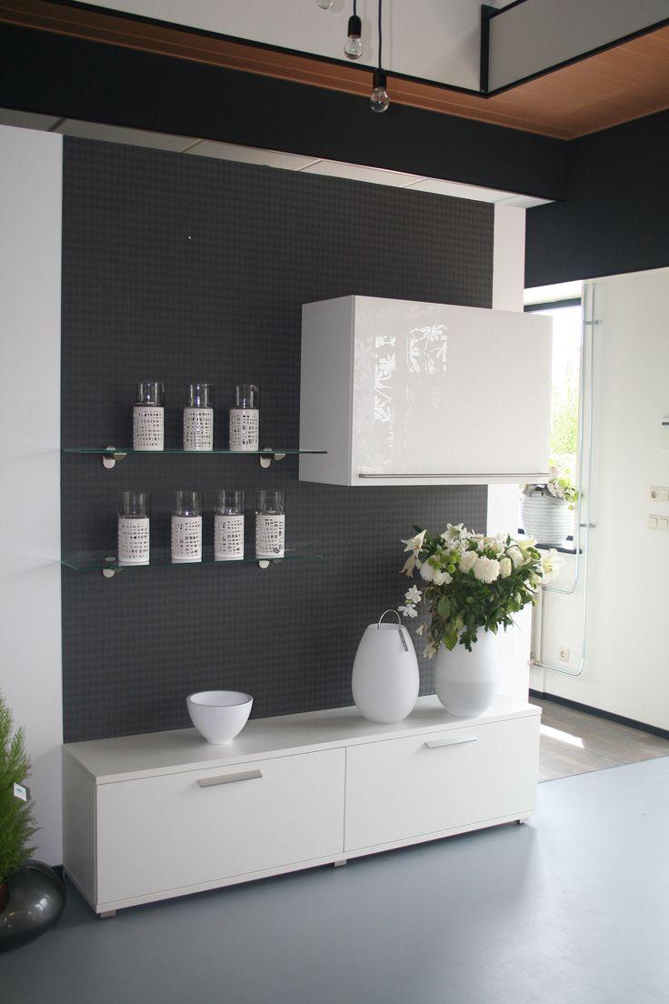 Wooninrichting met Systemat keuken kasten, met design glas ...
