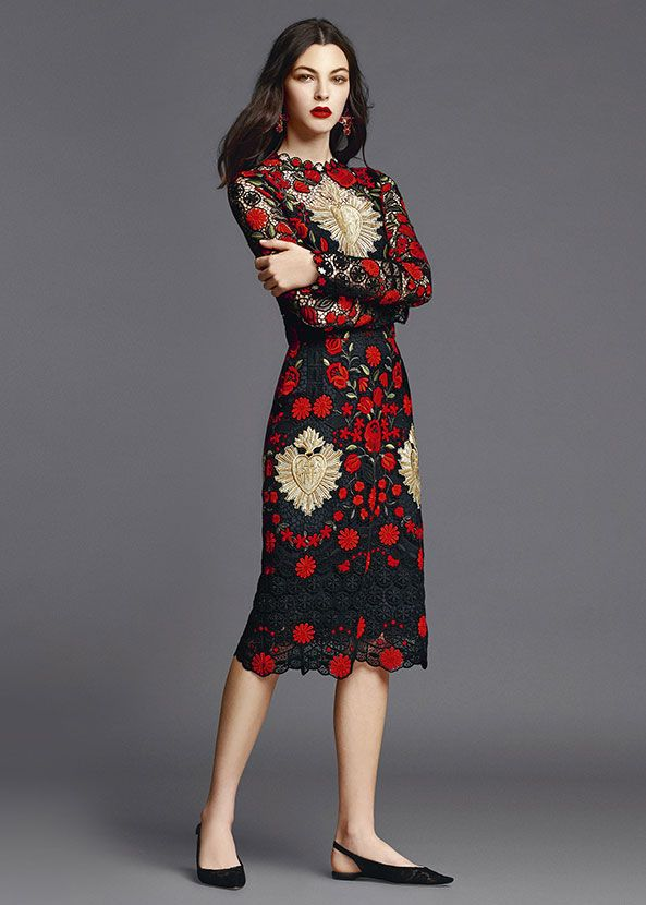 Dolce & Gabbana Abbigliamento Donna Estate 2015: camicie, jeans, vestiti, pantaloni, gonne, cappotti, t-shirt e molto altro dalla nuova collezione.