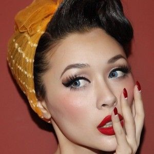Pin Up makeup inspired by the 40s feature famous Marilyn Monroe, symbolizing attitude, sensuality but also waiving the post-Victorian prejudices and embrace self-esteem and appreciation body and female beauty.