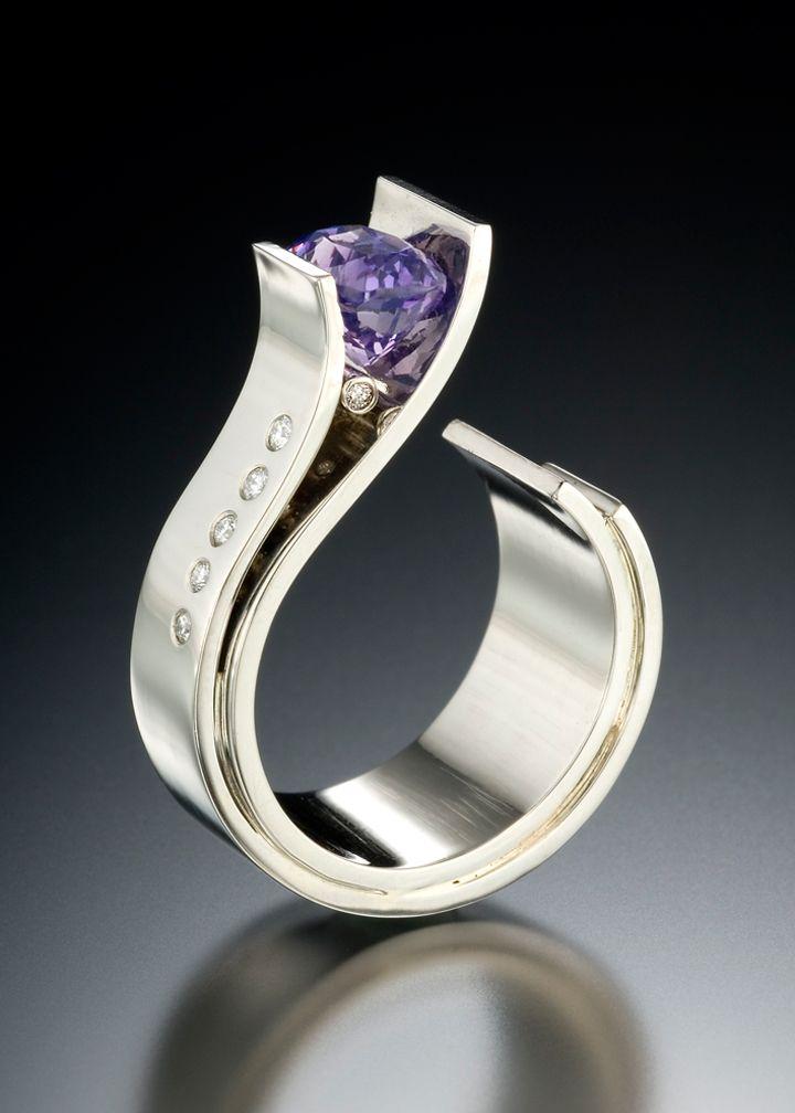 Fiore Ring with Sapphire & Diamonds