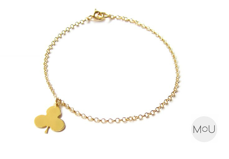 Minimal bracelet made entirely of sterling silver gold-plated with cute Clover pendant by MOU