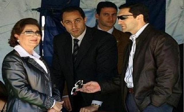 In happier times, Suzanne Mubarak is seen with her sons Gamal and Alaa. (File Photo)