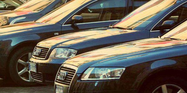 Spending review? La casta si compra 210 auto blu blindate!  http://tuttacronaca.wordpress.com/2013/12/18/spending-review-la-casta-si-compra-210-auto-blu-blindate/
