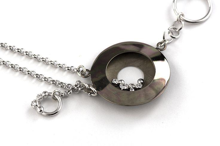 Shop on-line in www.eosbijoux.com elementi cerchio in argento, silver bracelet, finitura rodio bianco rodio nero, bracciale in argento, circle shaped, silver chain, zircon, fashion jewelry,  elegant jewel, dainty bracelet