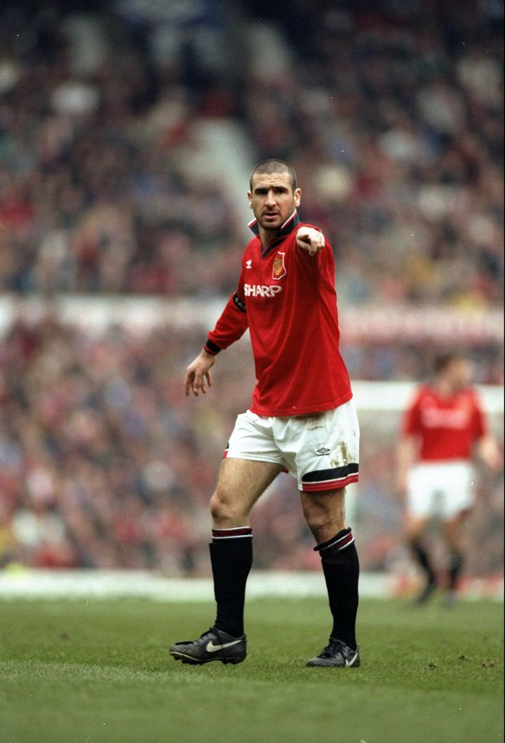 Frenchman Eric Cantona played for @manutd between 1992-97. The enigmatic no.7 helped Sir Alex Ferguson's side secure four league titles and two FA Cups.