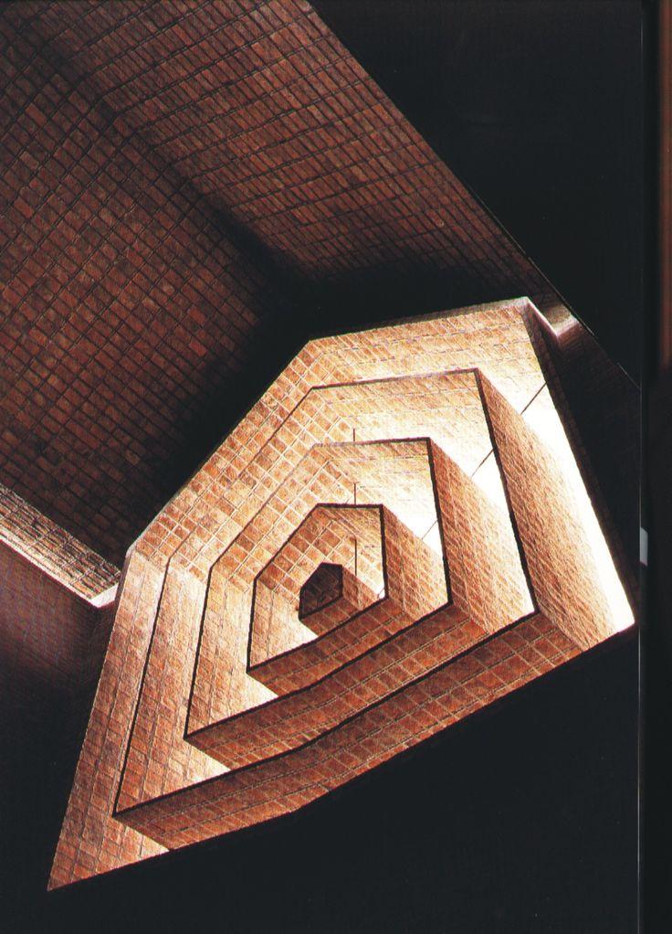 iglesia de San Pedro : [carlos federico sáez / 1969 - 1971]