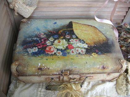 """Чемоданы ручной работы. Ярмарка Мастеров - ручная работа """"Летние обманы"""" чемодан. Handmade."""