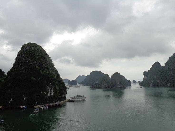 Einfach nur traumhaft, die Halong Bucht in Vietnam   #Sehenswürdigkeiten #Vietnam #HalongBucht #Reisetipps #Fernreisen #Reiseempfehlung #Asien #FremdeKulturen #AnnelieVoyage #Backpacker #Auszeit #Abenteuerurlaub