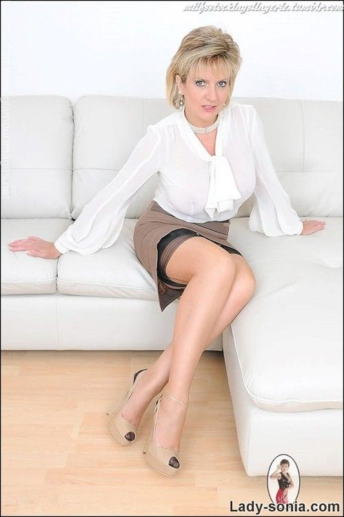 More Related Mature Pantyhose Sex Themes 78