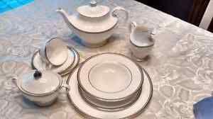 Royal Doulton England, 12piece dinner set, Coleridge series Mississauga / Peel Region Toronto (GTA) image 1