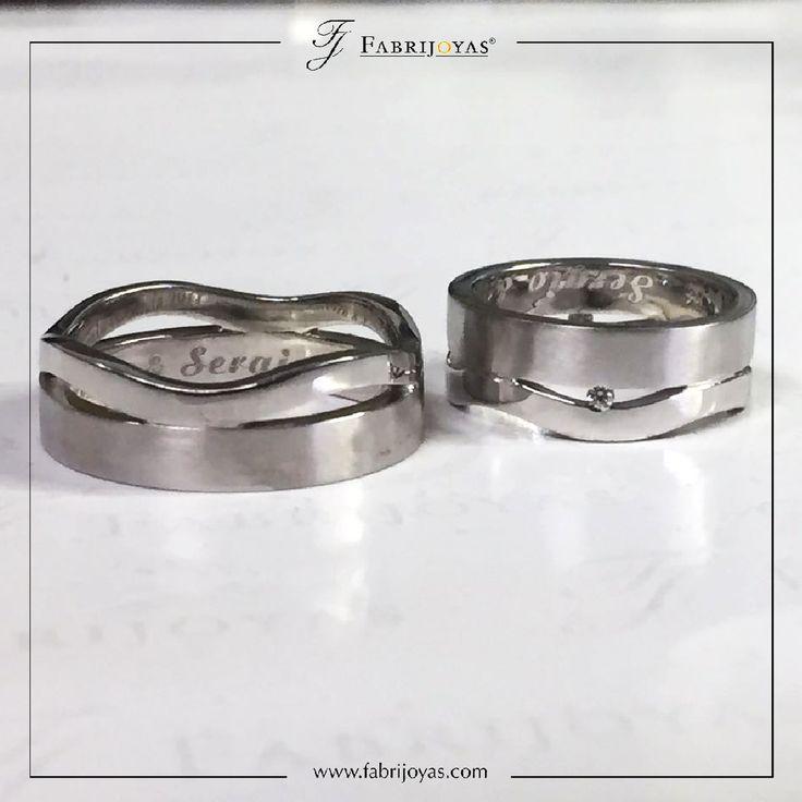 Las opciones de personalización de Argollas de Matrimonio son varias, las parejas en nuestra joyería pueden decidir los rasgos que tendrá la argolla de manera individual. Este encargo se hace a medida, para que no haya dos anillos iguales... o casi. 👰💖💍 #ArgollasDeMatrimonioCali #ArgollasDeMatrimonioColombia #WeddingBandsColombia