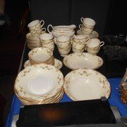 Johnson Auction Service - Moon Township, PA, United States. china and antique dishes auctions