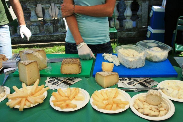 I formaggi tipici di alpeggio dell'Azienda Agricola Nicoletta #socialfoodeWine www.agricolanicoletta.it ph. C. Pellerino