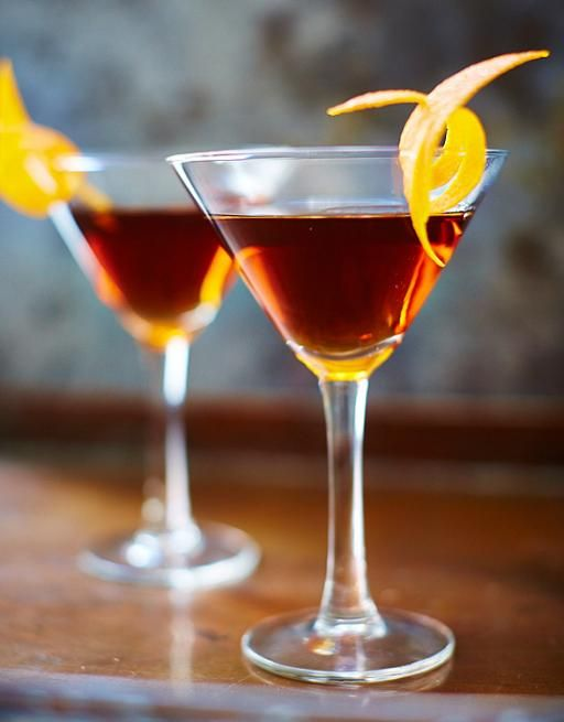Invented in New York in the 1870s. Despite the fancy-schmancy garnish this Manhattan recipe is like an accent from a Manhattan resident itself: big, loud and bold.