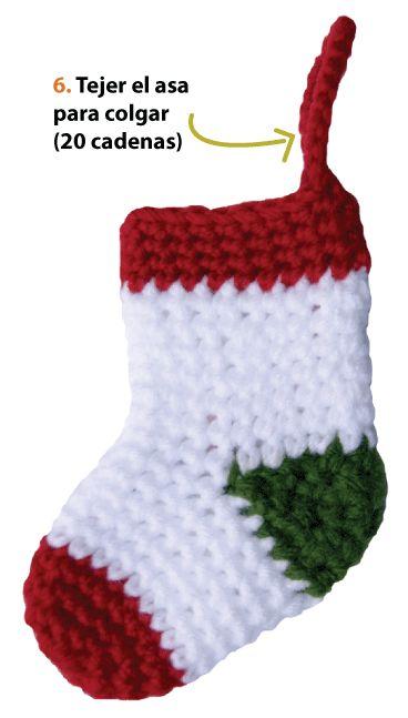 botitas o medias de navidad tejidas a crochet christmas socks