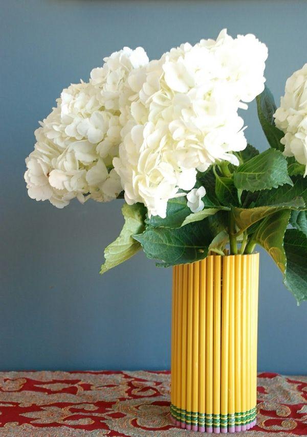Vase selber basteln Kinder Blumengestecke weiß