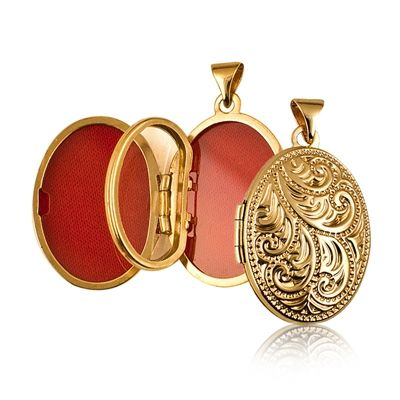 Locket - OVAL FOUR PHOTOS -  9ct Yellow GoldToo many loved ones for just one locket? Or too many photos of the same loved one? This stunning locket holds four photos.