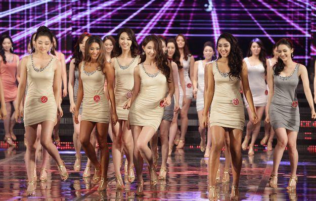 candidates election miss coree 2013 3   Election de miss Corée 2013   la guerre des clones   Yoo Ye Bin miss GIF Corée clone chirurgie esthétique