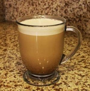 「バターコーヒー 完全無欠コーヒー」朝食代わりに飲むとエネルギーが長時間持続するのにダイエット効果もあるという話題のBulletproof Coffeeです。フレンチプレスとミキサーが必要です。【楽天レシピ】