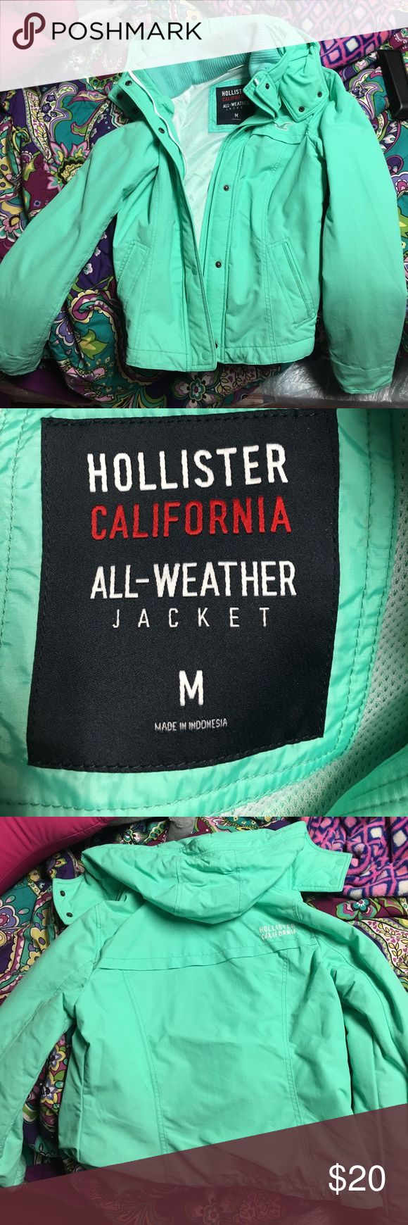 Hollister coat Stylish, warm coat! Worn once, does not fit like a medium more like a small. Jackets & Coats Puffers