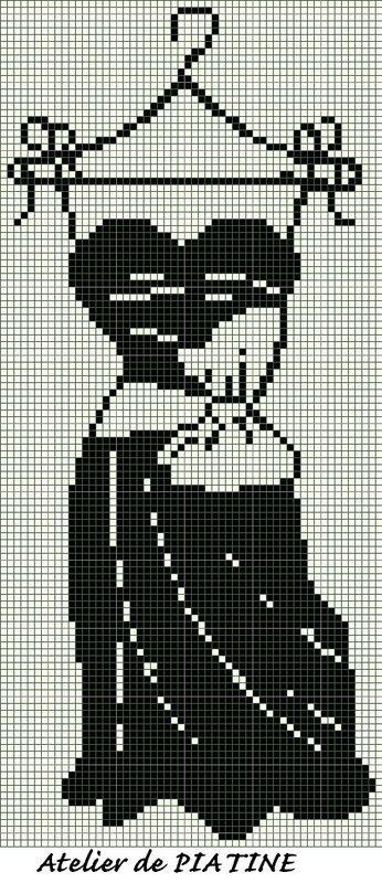 point de croix robe noire - cross stitch black dress
