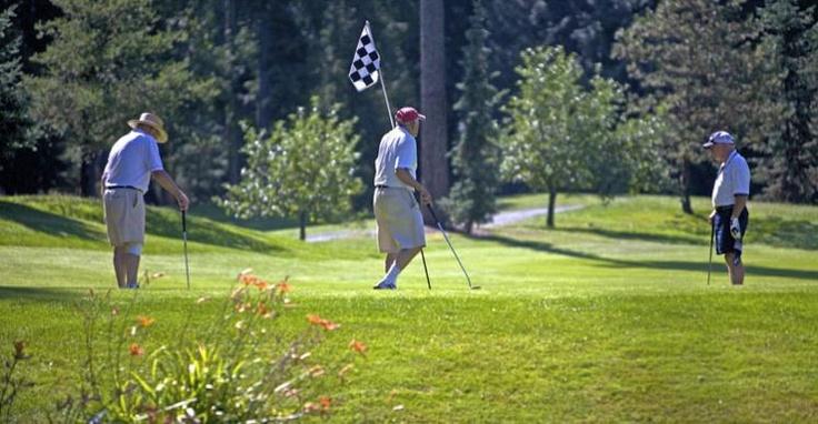 Enjoying Chilliwack's Golf Courses - Cultus Lake Golf Club - Image Copyright Simon Ratcliffe