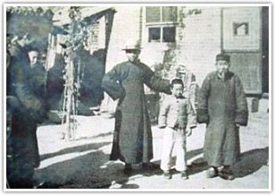 A picture of Kaifeng Jews from the early 20th century