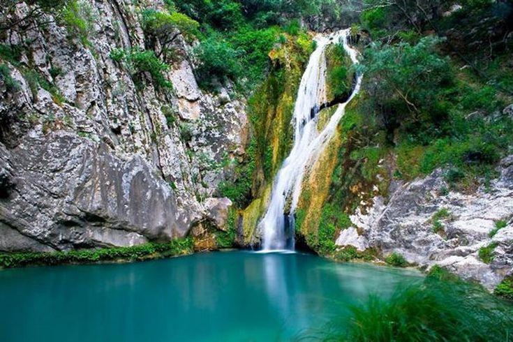 The Blue Lagoon and Waterfalls Messinia Pelopponese- Η γαλάζια λίμνη της Ελλάδας βρίσκεται στη Μεσσηνία