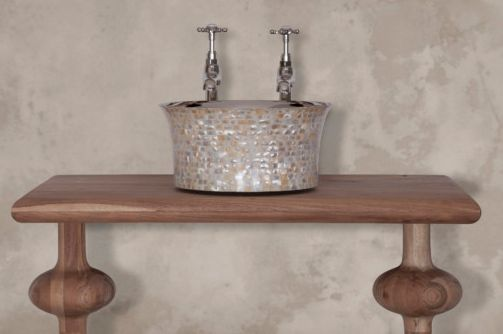 Light Mother of Pearl Tub Basin