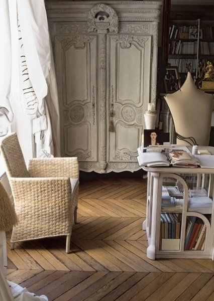 simply vintageous...by Suzan: My Paris Apartment