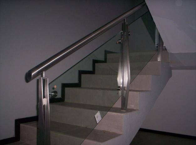 Tendencia barandales de cristal y acero inoxidable una - Escaleras de interiores ...