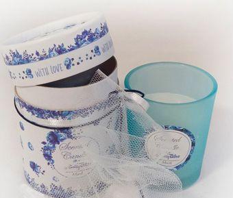 πρωτότυπη μπομπονιέρα αρωματικό κεράκι σε κουτί θέμα μπλε λουλούδια, γάμος και βάφτιση μαζί, θέμα μπλε λουλούδια, θέμα για γάμο και βάφτιση μαζί, πρωτότυπο θέμα για γάμο και βάφτιση αγοριού, προσκλητήριο για γάμο και βάφτιση μαζί μπλε λουλούδια , μπομπονιέρα μαξιλαράκι μπλε λουλούδια με κρίκο ευχών, πρωτότυπος γάμος και βάφτιση μαζί, ιδέες για γάμο και βάφτιση αγοριού μαζί