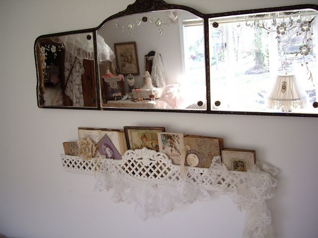 I do so Love  this mirror grouping! Would look fantastic in any room, especially a Vintage Styled Bath!