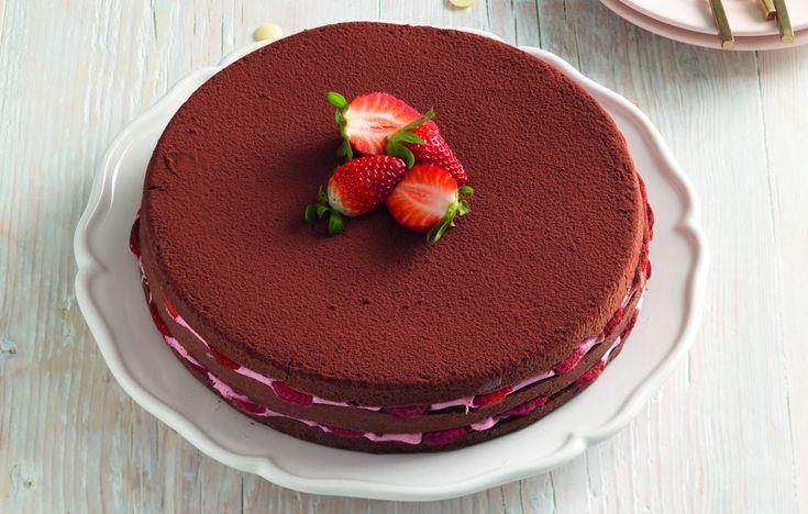 Ricetta Torta soffice al cacao con crema di fragole - La Cucina Italiana: ricette, news, chef, storie in cucina