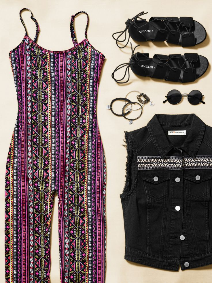 See & be seen on the festival grounds with bold patterns, confident silhouettes & cool accents. See our full H&M Loves Coachella official collection by clicking through!