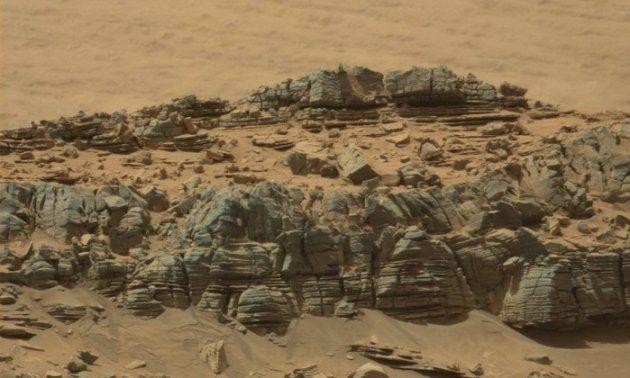 Formação estranha vista em foto de Marte abre debate sobre vida no planeta