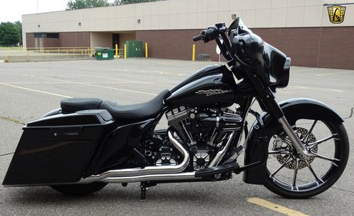 2011 Harley Davidson Custom Street Glide FLHX for sale, Price:$36,595. Dearborn, Michigan