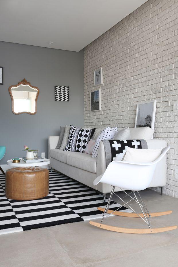 Decoração escandinava amplia apartamento de 60 m² OLHA ESSE ESPELHO QUE LINDO