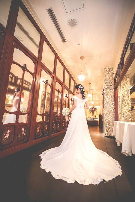 先日の、メゾン ポール・ボキューズの花嫁様から 「ブーケが届いた時の 切ないくらいに嬉しくて胸がきゅんとする感じ、 いまでも忘れられません。...