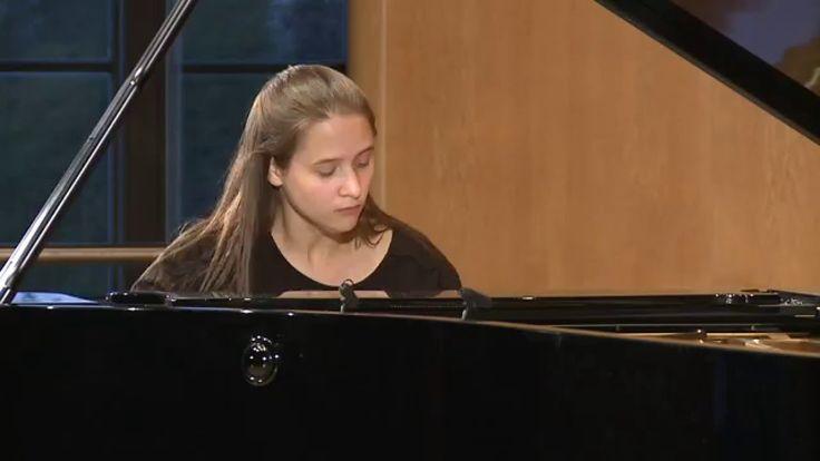 """Marina Yakhlakova improvises on Liszt and """"Happy Birthday"""""""