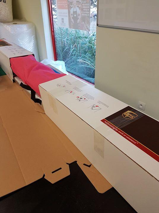 Vous l'avez compris l'expédition de matériel de windsurf est possible chez Mbe Toulon. Expédition partout en France et dans le monde comme ce quiver de voiles et de mars pour l'italie. Livraison rapide et emballage offert  - http://ift.tt/1HQJd81