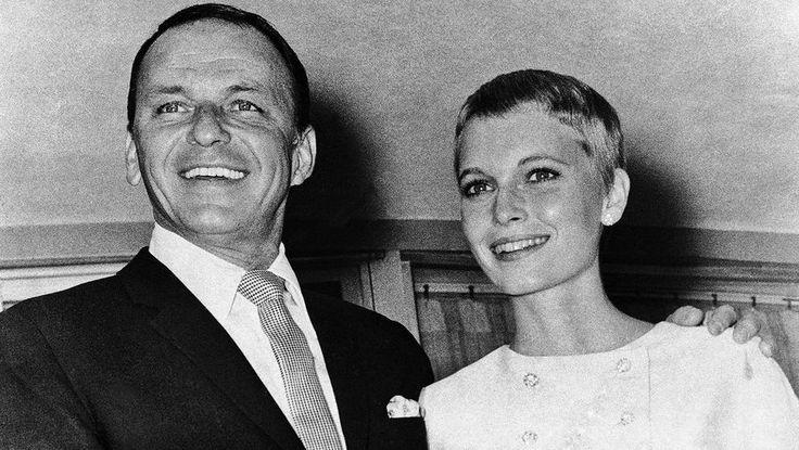 Фрэнк Синатра и Миа Фэрроу после свадьбы 19 июля 1966 года в Лас-Вегасе