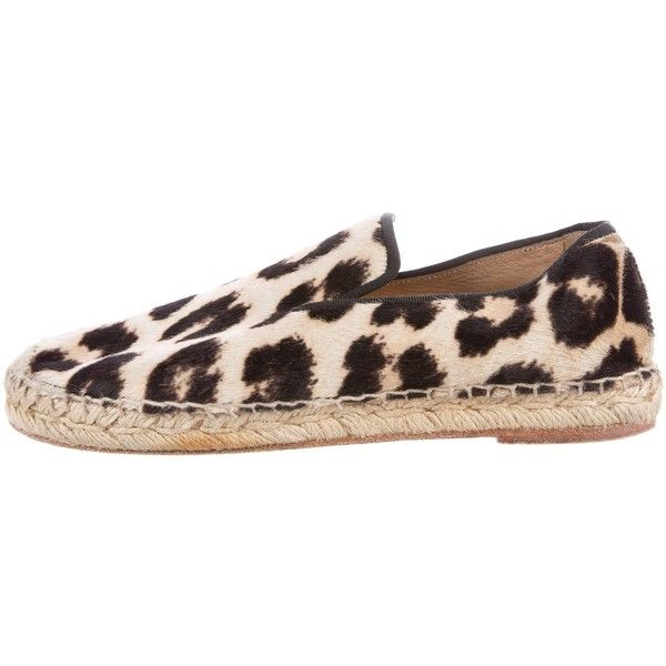 Pre-owned C?line Ponyhair Leopard Print Espadrilles ($275) ❤ liked on Polyvore featuring shoes, sandals, animal print, espadrille flats, leopard print shoes, animal print sandals, leopard flats and beige sandals