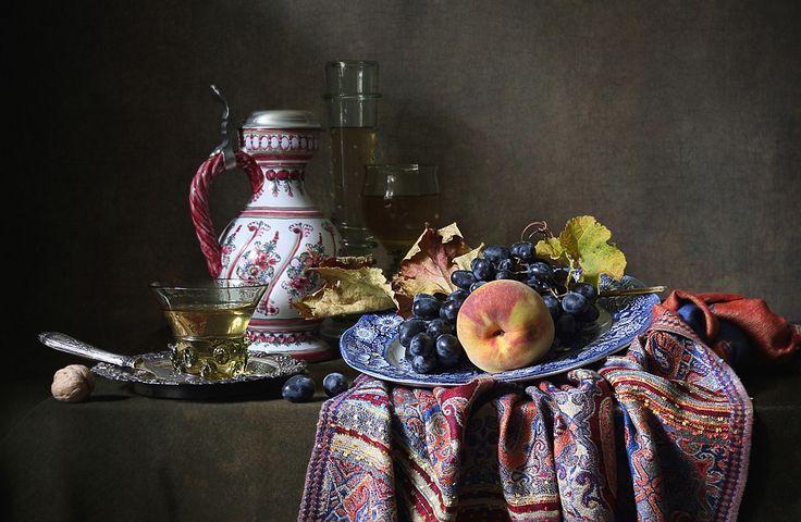 Персик и виноград. Автор: Елена Татульян