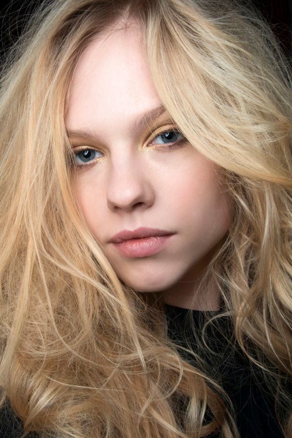 Expert Tricks For Getting Perfectly Tousled Hair