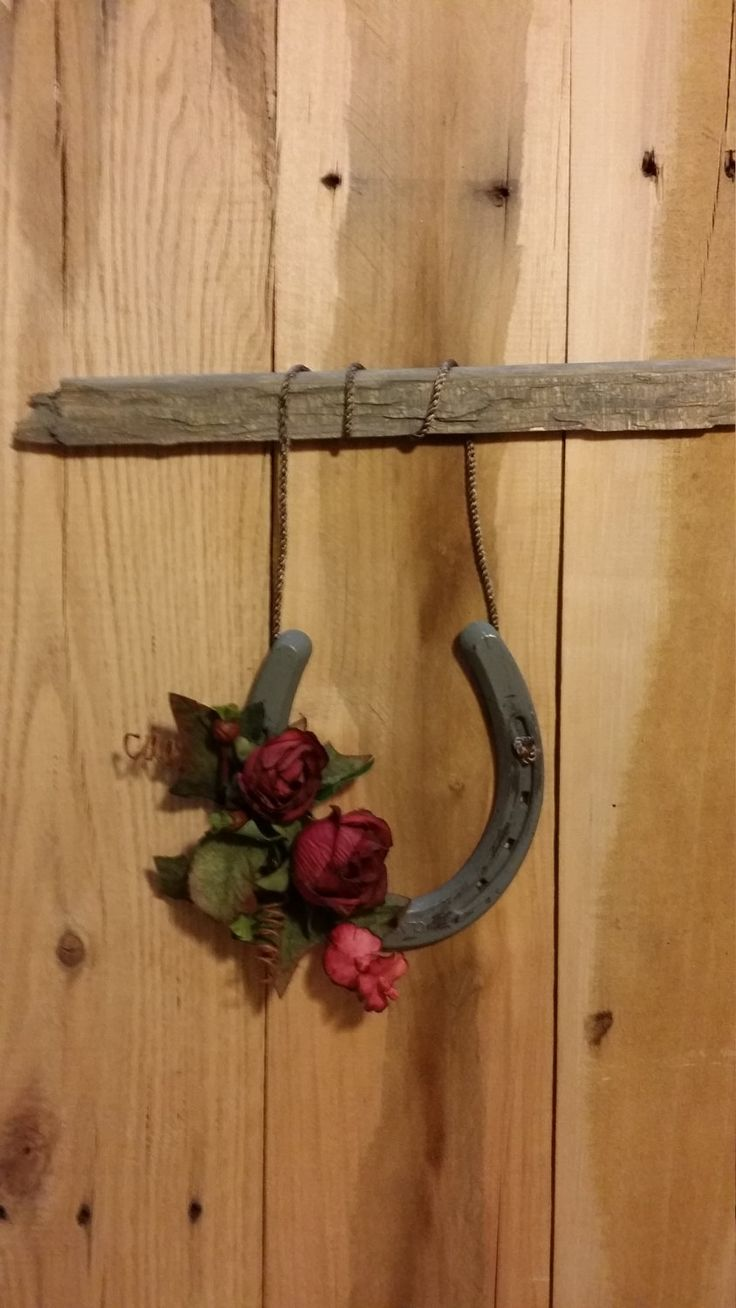 Custom horseshoe art by KristisDecor on Etsy