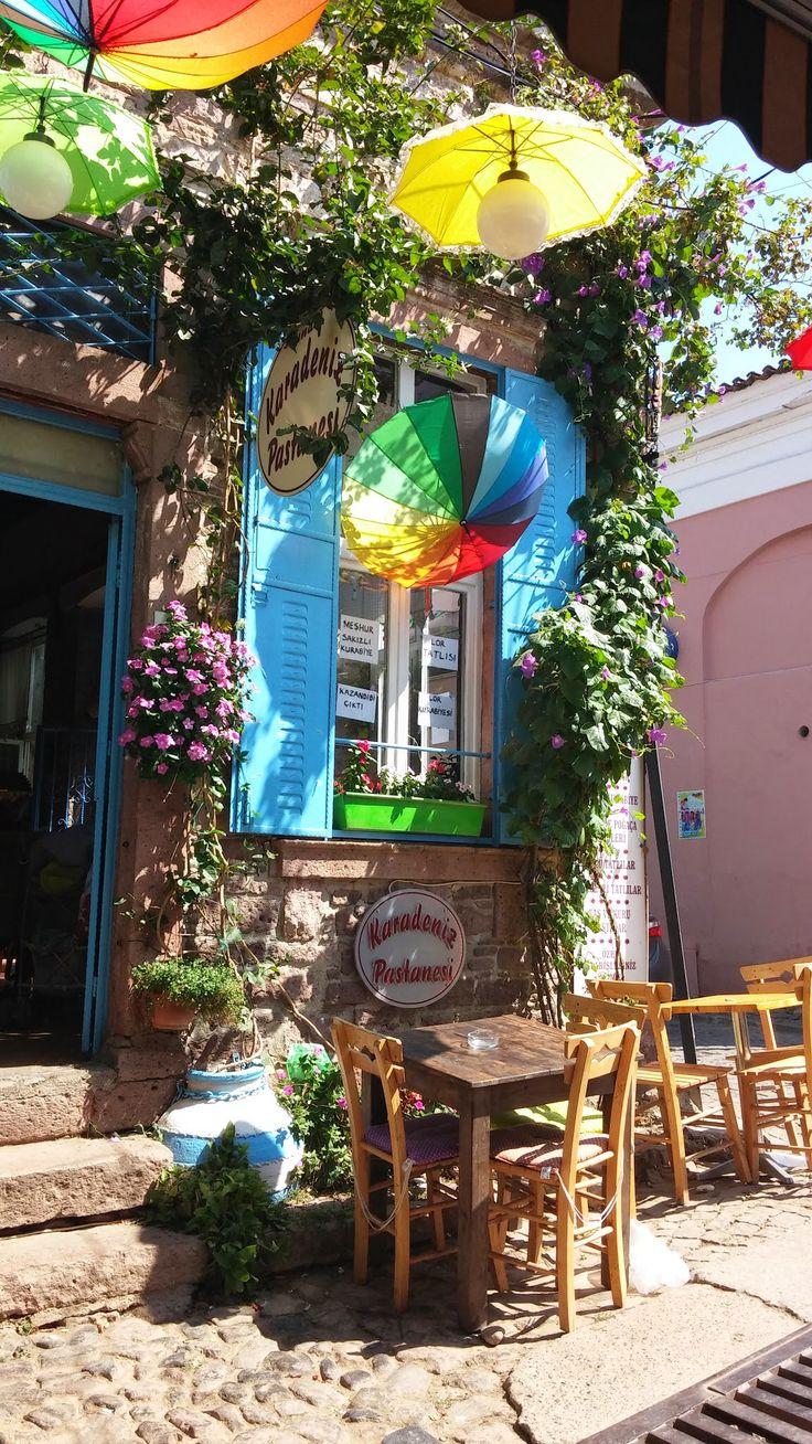 kleines café auf cunda, westtürkei