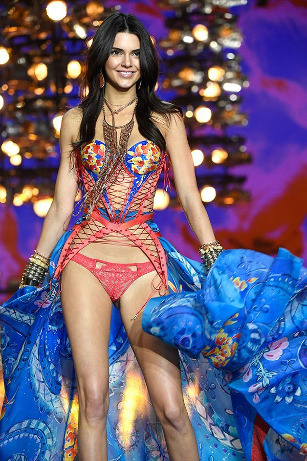 Kendall Jenner Victoria's Secret Fashion Runway 2015