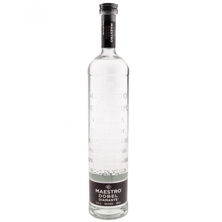 Tequila Maestro Dobel Diamante; Un tequila de carácter fuerte con un aroma sutil al paladar. De cuerpo suave con ciertos tonos a roble y vainilla lo que lo define como una bebida equilibrada. Una mezcla que desafía las reglas de extra-añejo reposado y a